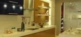 Кухня с толстой каменной столешницей. Мебель на заказ.