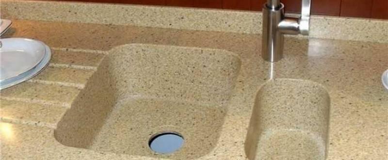 Литая мойка для каменной столешницы на кухни. Мебель на заказ.